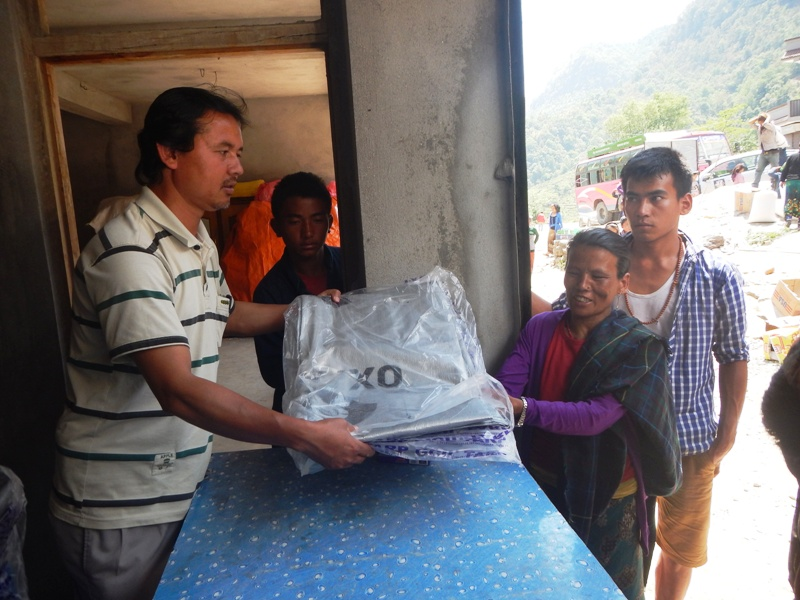 People received emergency shelter and water containers including water purifiers