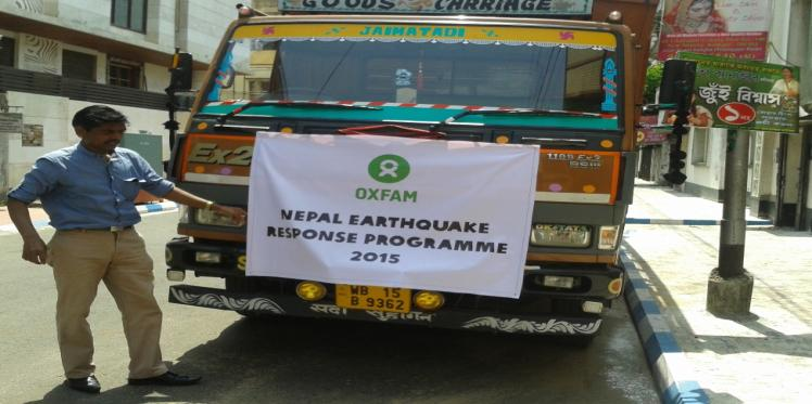 Oxfam trucks in aid to Nepal by land for the first time from India