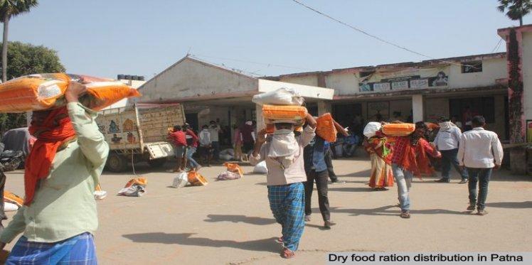 Distribution of dry ration kits in Patna, Bihar